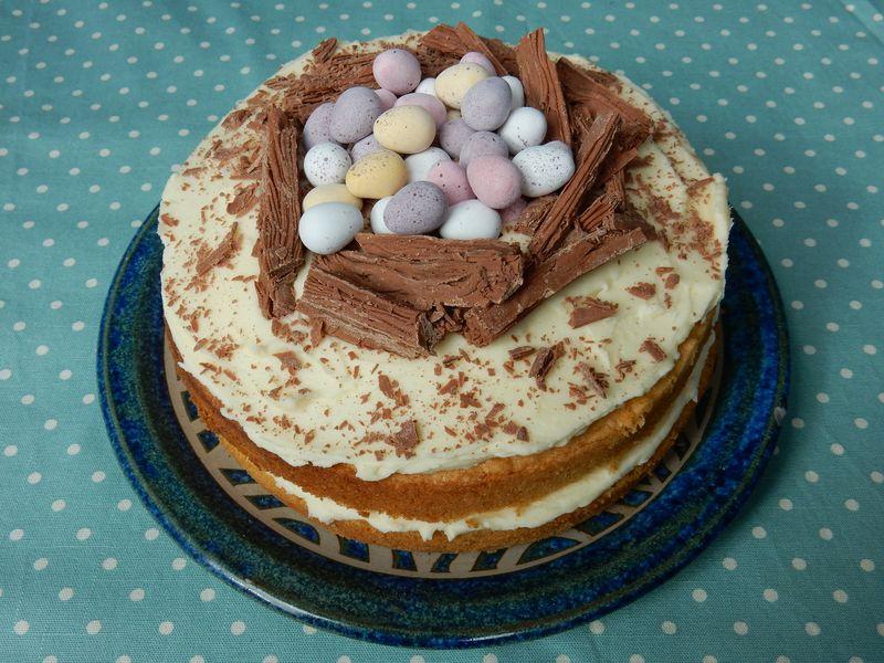 Lu Hoppy Spring Easter Cake