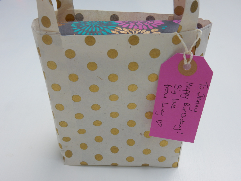 Lu paper party bag tutorial finished party bag as gift bag close up