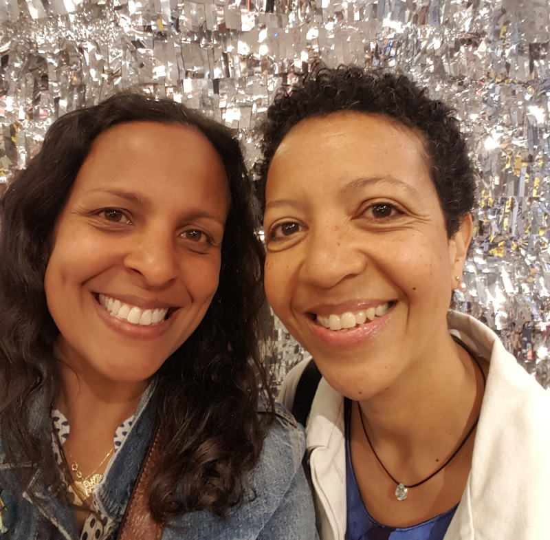 Blogtacular Review selfie at westelm