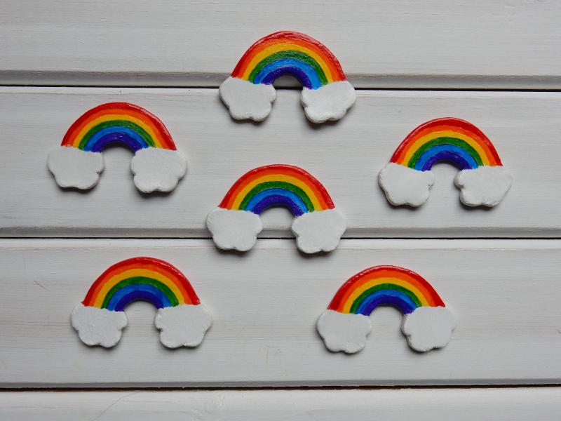 Lu rainbow brooches done on pallete DSCN9604