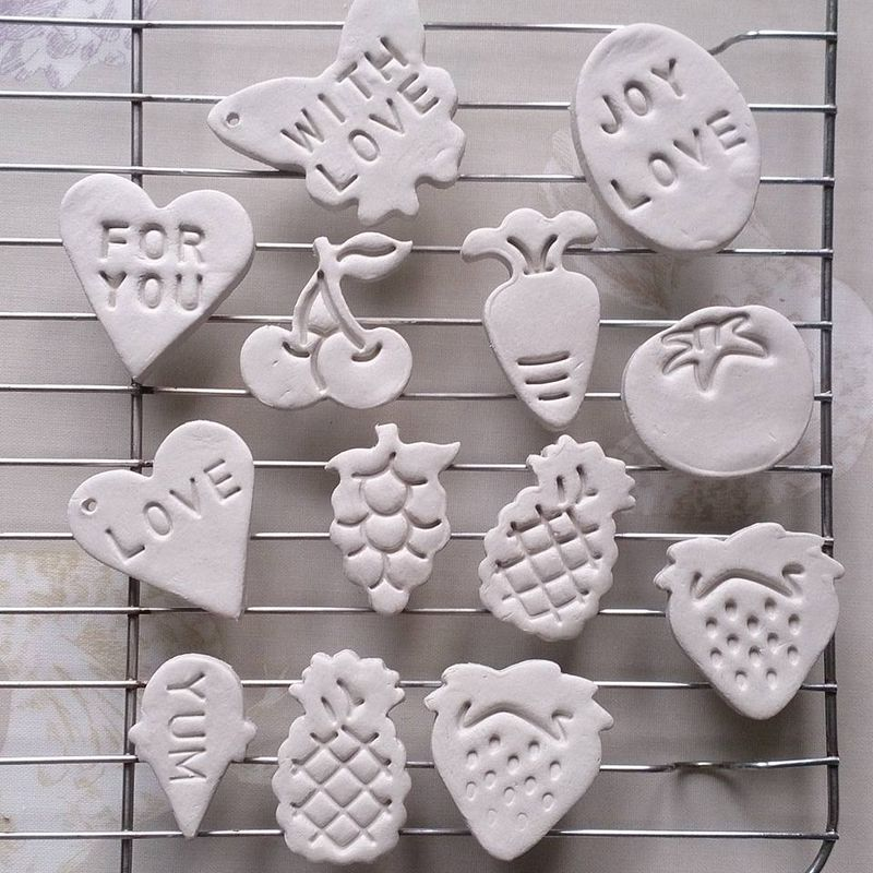 Lu clay shapes drying