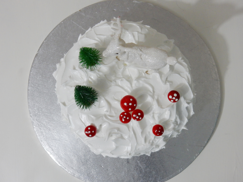 Lu Christmas Cake tutorial finished aerial view 2
