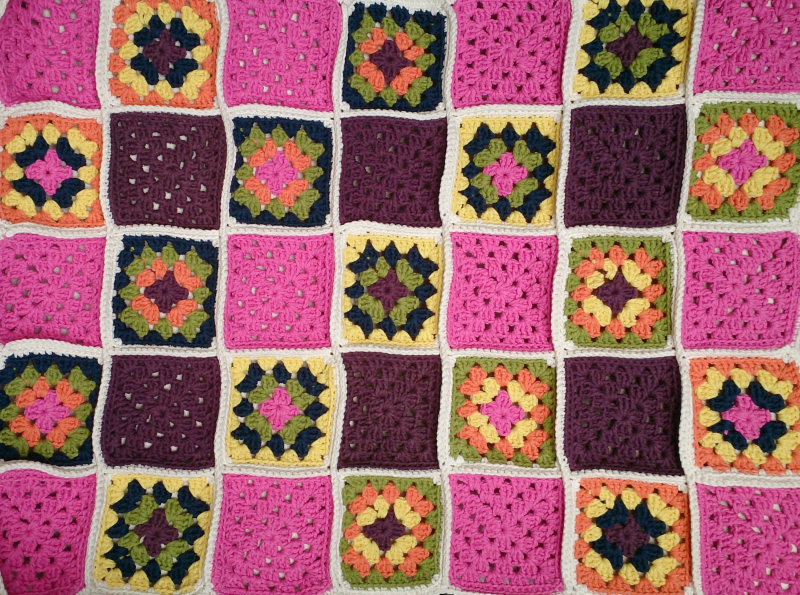 Lu Me and Crochet granny square blanket