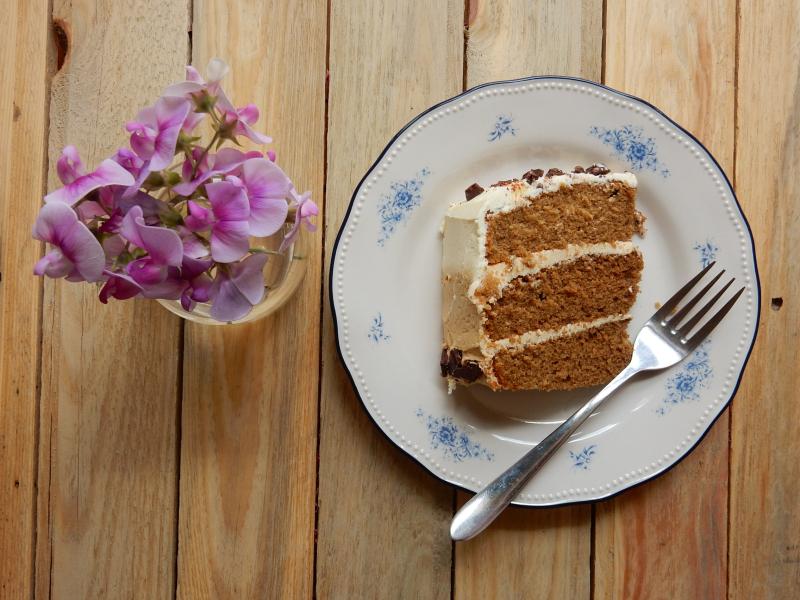 Lu coffee cake sliced 1 DSCN7995