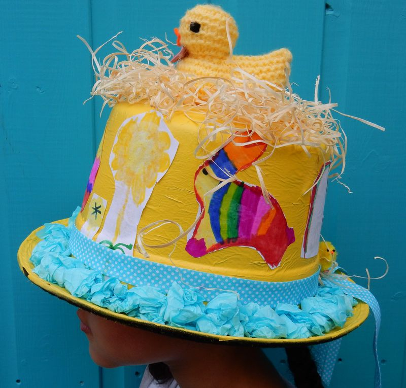 Lu Hoppy Spring Tabs in Easter Bonnet