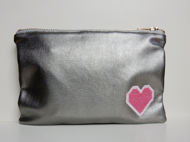 Lu leatherette pouch complete upright