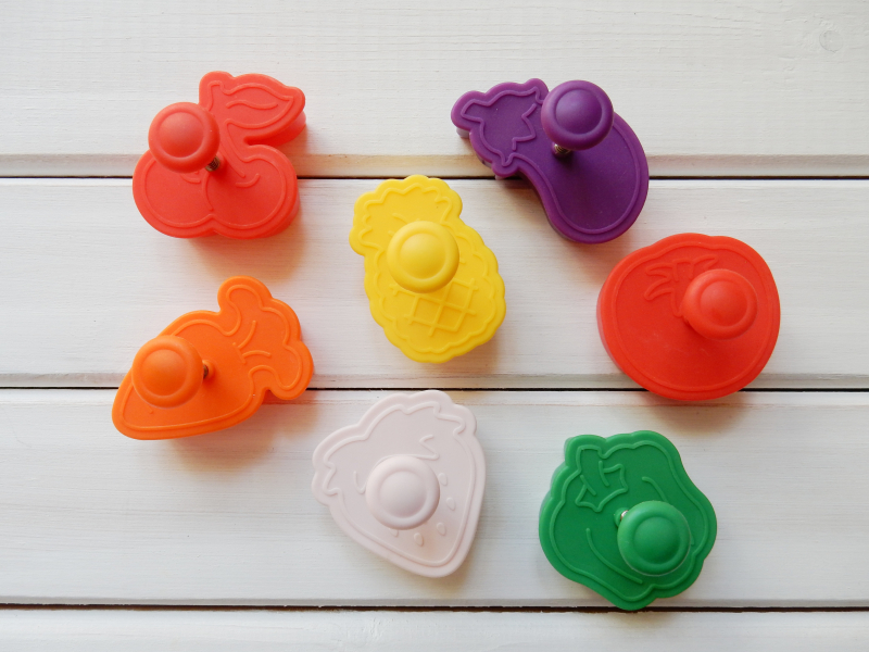 Lu fruit and veg magnets cutters