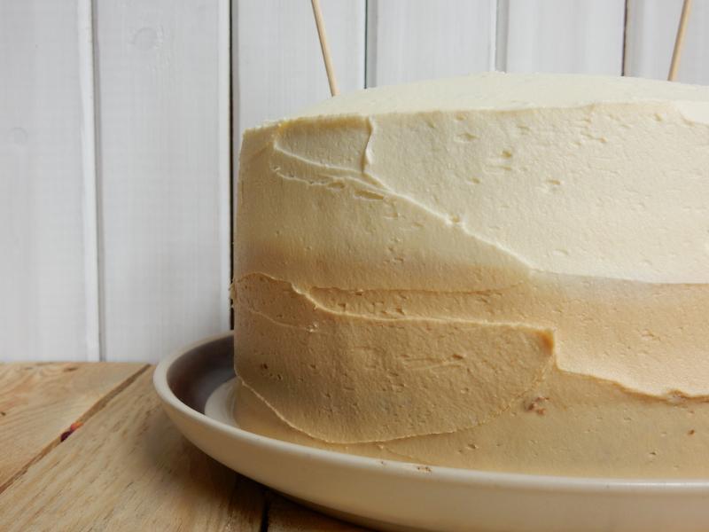 Lu coffee cake two tone from side DSCN7895